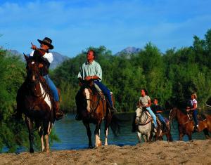 PPDD JPG2 Horseback Family